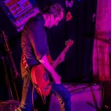 Kazya concert, couleur, F!, Fi, guitariste, chanteur, photographe, Rennes