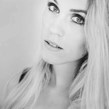 Kazya, noir et blanc, portrait, studio, fashion, mode, beauté, shooting, photo, photographe, photographie, fille, femme, girl, rennes, bretagne, ille et vilaine (14)