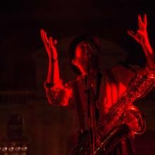Kazya, concert, couleur, rouge, saxophone, apes o'clock, photographe, rennes