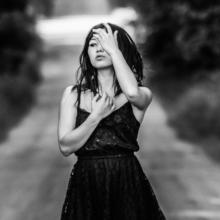 Kazya, noir et blanc, portrait, studio, fashion, mode, beauté, shooting, photo, photographe, photographie, fille, femme, girl, rennes, bretagne, ille et vilaine (4)